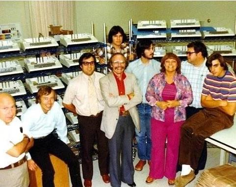 Первые сотрудники Apple, Майк второй слева