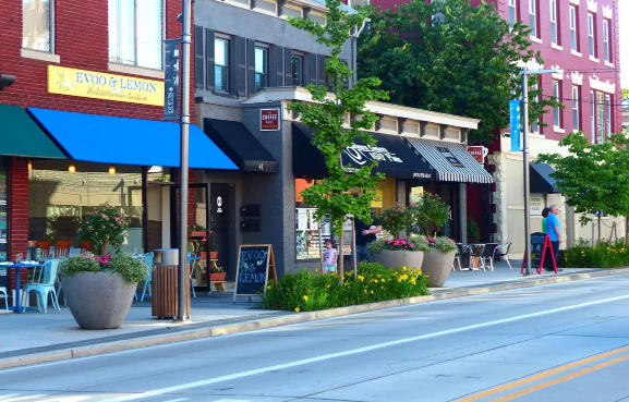 Главная улица в Милберне, Нью-Джерси – родном городе Айлин
